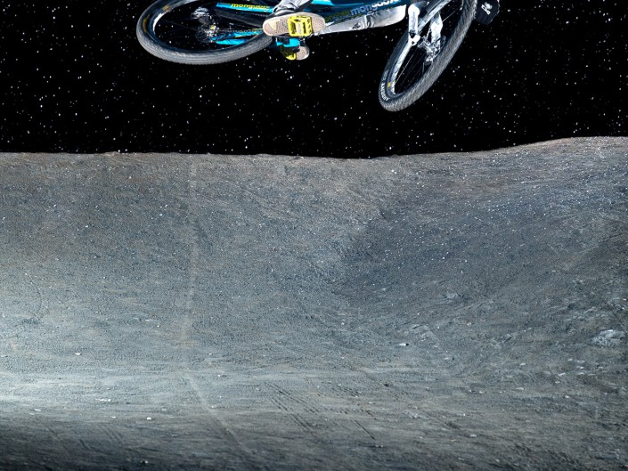 Jonas Janssen | Moon